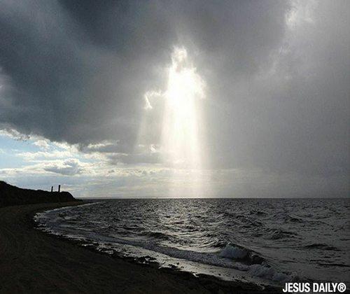 jesus-clouds_11